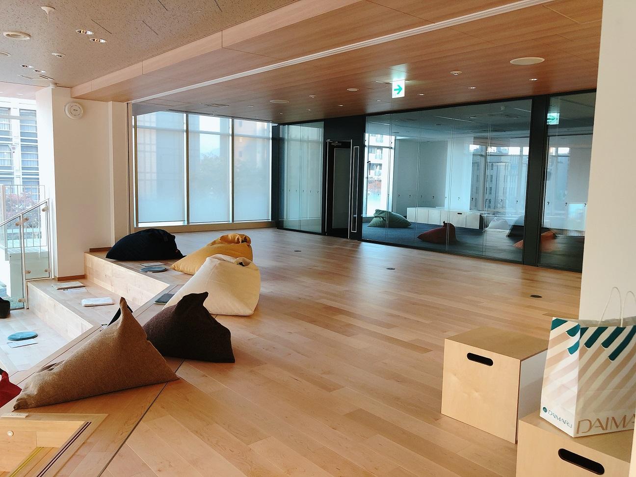 関西カーボンもお世話になっている京都信用金庫さんの産学銀連携が出来る「新河原町ビル」のレセプションに行って来ました。